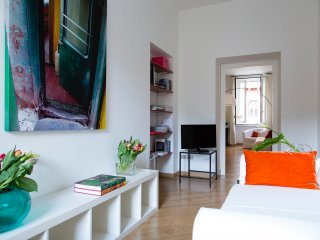 Peaceful apartment in Sant'Ambrogio (CRD) - Milan vacation rentals