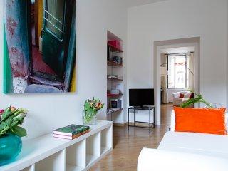 Peaceful apartment in Sant'Ambrogio (CRD) - Milan vacation rentals