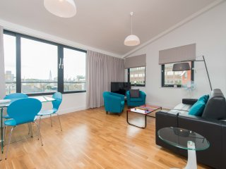 Penthouse with Breathtaking City views - 2 Bedroom - London vacation rentals