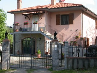 Nice House with Internet Access and Central Heating - Gaiole in Chianti vacation rentals