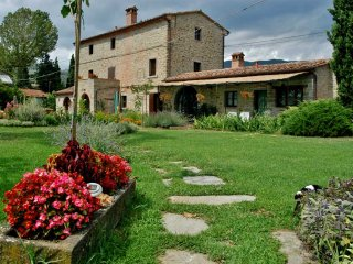 Il Moro Novo, ancient farmhouse - Cortona vacation rentals