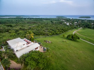 Caribbean Sea Views, Private Resort, 3 Homes, Priv - Esperanza vacation rentals