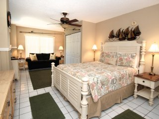 Castnetter Beach Resort 10 - Holmes Beach vacation rentals