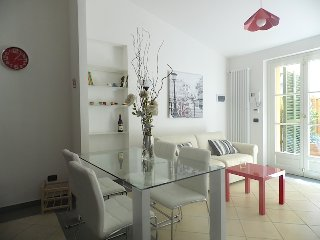 Bright 1 bedroom Lucca Condo with Washing Machine - Lucca vacation rentals