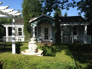 Charming House with Internet Access and Wireless Internet - Kirkland vacation rentals