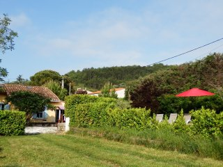 Charming Cottage, Sunny Secluded Garden & Views of Pyrénées, Near Carcassonne - Esperaza vacation rentals