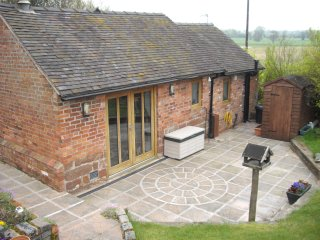 Hammered Cottage - 3 or 4 night stays offered - Market Drayton vacation rentals
