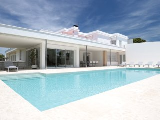 VILLA PARADISO - STYLISH MODERN WITH PRIVATE POOL - Sitges vacation rentals