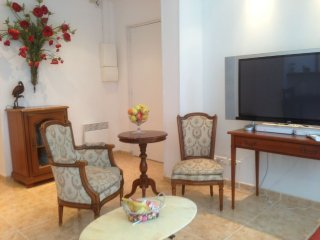 Apartment 2 chambres, living room et terrasse - Pont-Sainte-Maxence vacation rentals