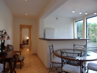 Apartment 3 chambres, living room et terrasse - Pont-Sainte-Maxence vacation rentals