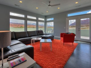 Brand New~3 Master Suite, Sleeps 12, Close to all - Moab vacation rentals