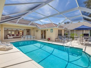 Lovely s/w facing villa with pool overlooking lake - Naples vacation rentals
