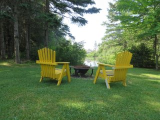 Cedar Paradise in Nature on Pond near Sandy Beach - Shediac vacation rentals