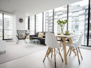 Big City Edge VIEWS! 2 BR APT+WIFI - Melbourne vacation rentals