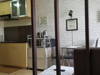 1BR Condo in Wharton Condominium nr SLU Bakakeng - Baguio vacation rentals