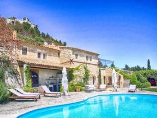 Remarkable property dating back to the Roman times with 3 bedrooms in Saint Remy and Alpilles - Les Baux de Provence vacation rentals