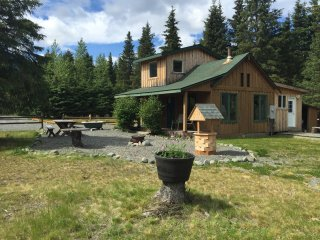 Beautiful Cabin with Television and DVD Player - Hope vacation rentals
