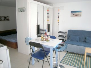 Cozy Ronce-les-Bains Studio rental with Internet Access - Ronce-les-Bains vacation rentals