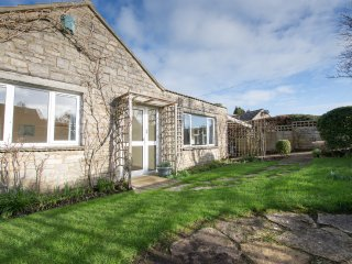 Bright 4 bedroom Bungalow in Corfe Castle - Corfe Castle vacation rentals