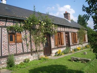 Les Aubépines, Traditional Normandy Colombage - Orival vacation rentals