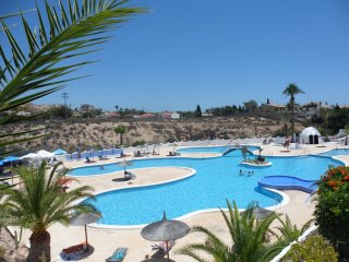 Nice Bungalow with Internet Access and Ceiling Fans - Campello vacation rentals
