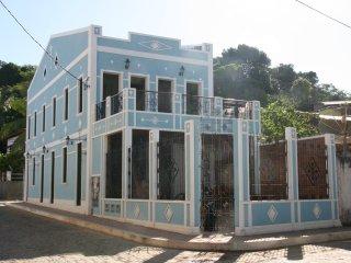 Casarao Azul - Apartamento jardim - Itacare vacation rentals