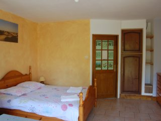Romantic 1 bedroom Menigoute House with Internet Access - Menigoute vacation rentals