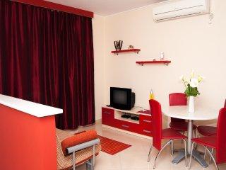 """Apartmani """"Komarna"""" - Red apart. - Komarna vacation rentals"""