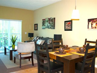 3 MILES FROM DISNEY / SUN LAKE / 2 BED / 2 BATH/ - Kissimmee vacation rentals