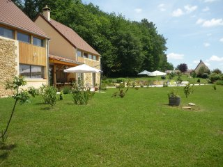 BED END BREAKFAST AMAZONE NEAR SARLAT - Montignac vacation rentals