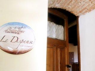 """Casa Vacanze in montagna e Lago appartamento """"Le Dispense"""" in antico borgo - Pescorocchiano vacation rentals"""