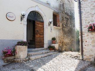 "Casa Vacanze in montagna ""Casa Lago del Salto"" - Pescorocchiano vacation rentals"