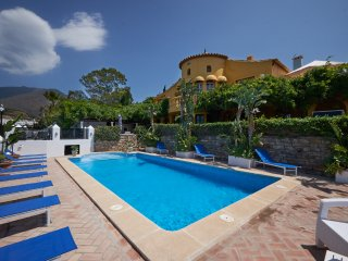 CHANTRY HOUSE VALLE ROMANO GOLF ESTEPONA CENTRAL - Estepona vacation rentals