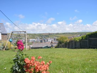 Coastguard Cottage - 3 mins walk to the beach! - Perranporth vacation rentals