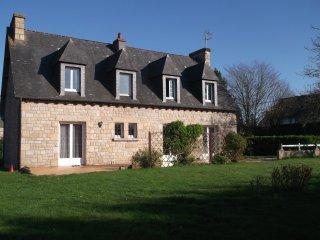 maison bretonne entre mer et campagne - Languenan vacation rentals