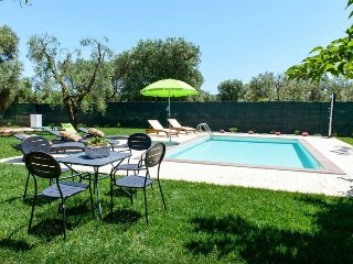 Villa Calipso con Piscina - San Michele Salentino vacation rentals