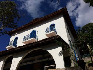 Bright 4 bedroom Teresopolis House with Garage - Teresopolis vacation rentals