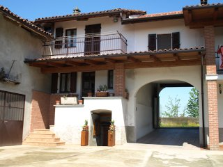 Nice House with Internet Access and Central Heating - Camerano Casasco vacation rentals