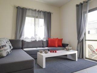 AMAZING MODERN FLAT WITH BALCONY - Tel Aviv vacation rentals