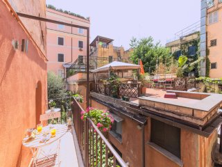 Adriana home at colosseum - Rome vacation rentals