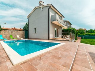 FAMILY HOUSE WITH POOL AND GARDEN - Labin vacation rentals