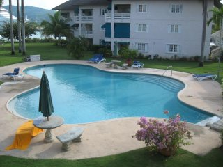 Gorgeous Villa with Television and Balcony - Montego Bay vacation rentals
