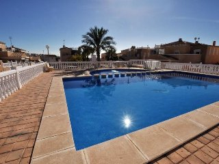 Nice villa with pool,wifi and 500m from the beach! - Torrevieja vacation rentals