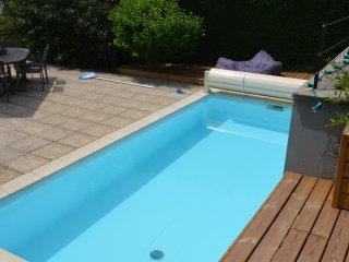 Appartement Complet Avec Piscine - Saint-Étienne vacation rentals