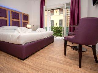 VATICAN RELAIS ROME CAMERA+LETTO AGGIUNTO+BALCONE - Rome vacation rentals