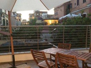 Centro storico, bilocale nuovo con ampio terrazzo - Lido di Ostia vacation rentals