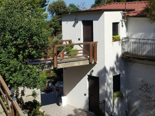 2 bedroom Townhouse with Housekeeping Included in Badolato - Badolato vacation rentals
