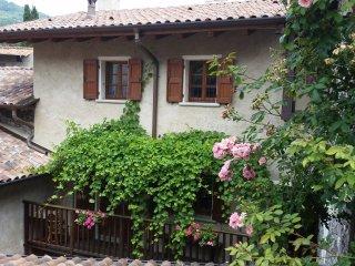 Agriturismo La casa di Matilde - Grandola ed Uniti vacation rentals