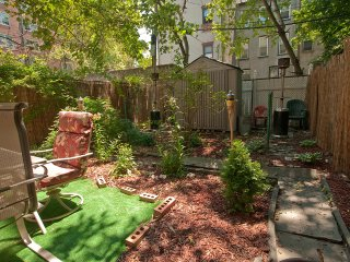 DEBBIE'S GARDEN RETREAT - New York City vacation rentals