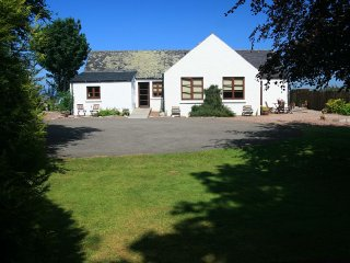 Osprey Cottage - stunning view, peaceful location - Dingwall vacation rentals